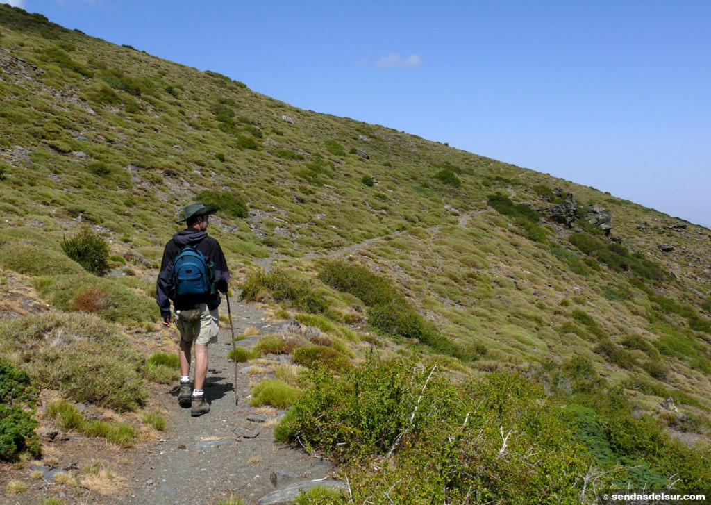 Precioso sendero con vistas al altiplano de Guadix