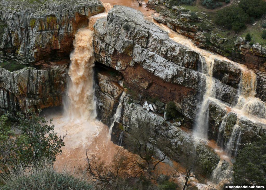 La impresionante Cascada de la Cimbarra